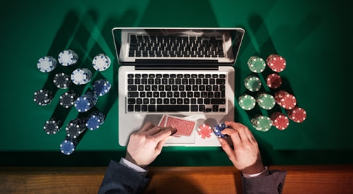 Online Gambling at Computer